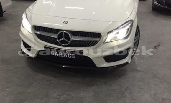 Buy Used Mercedes‒Benz C–Class White Car in Tashkent in Toskent