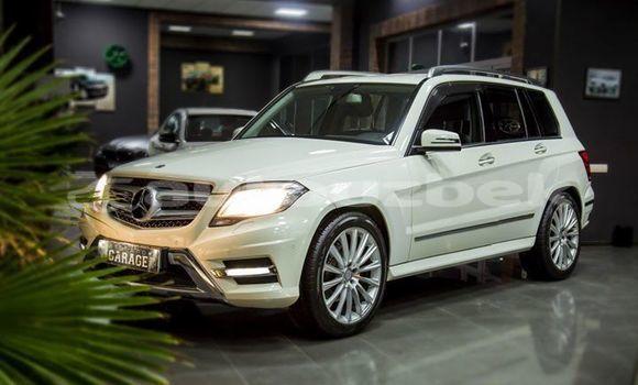 Buy Used Mercedes‒Benz GLK–Class White Car in Tashkent in Toskent