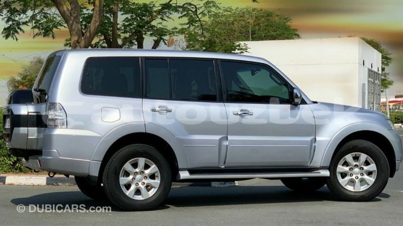 Big with watermark mitsubishi pajero andijon import dubai 3709